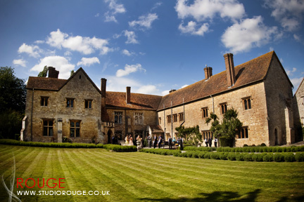 Wedding photography at Notley Abbey1037