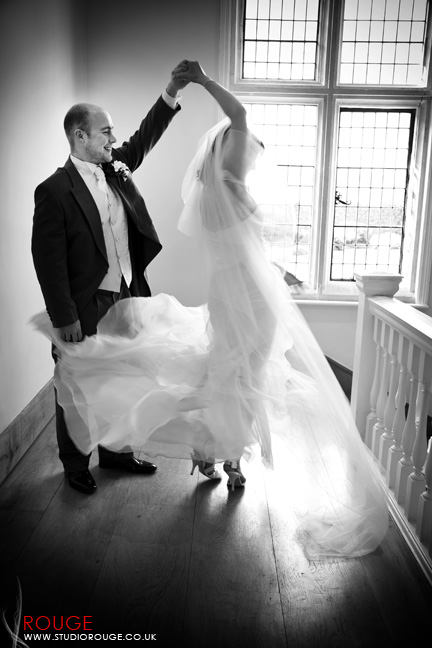 Wedding photography at Notley Abbey1043