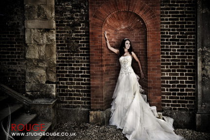 Wedding Photography by studio rouge at Hampton Court Palace025