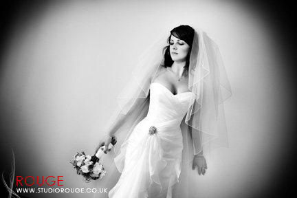 Wedding photography at Notley Abbey1029