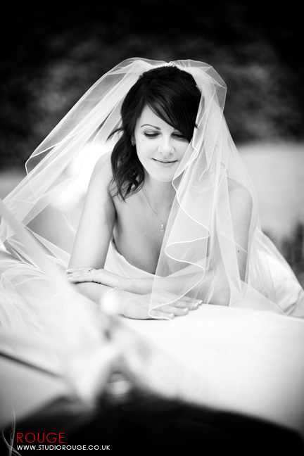 Wedding photography at Notley Abbey1036