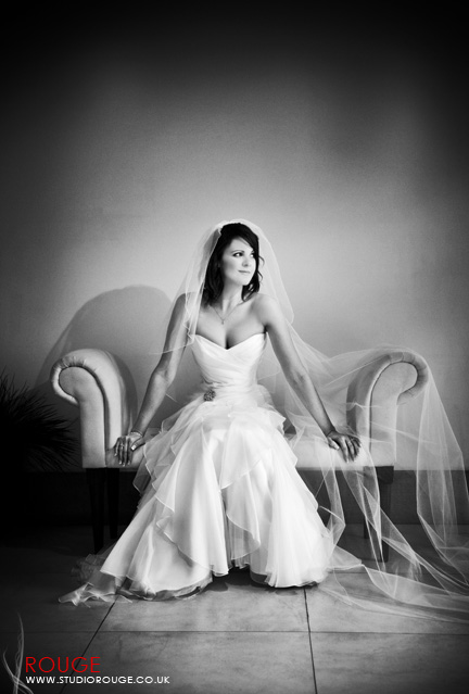 Wedding photography at Notley Abbey1039
