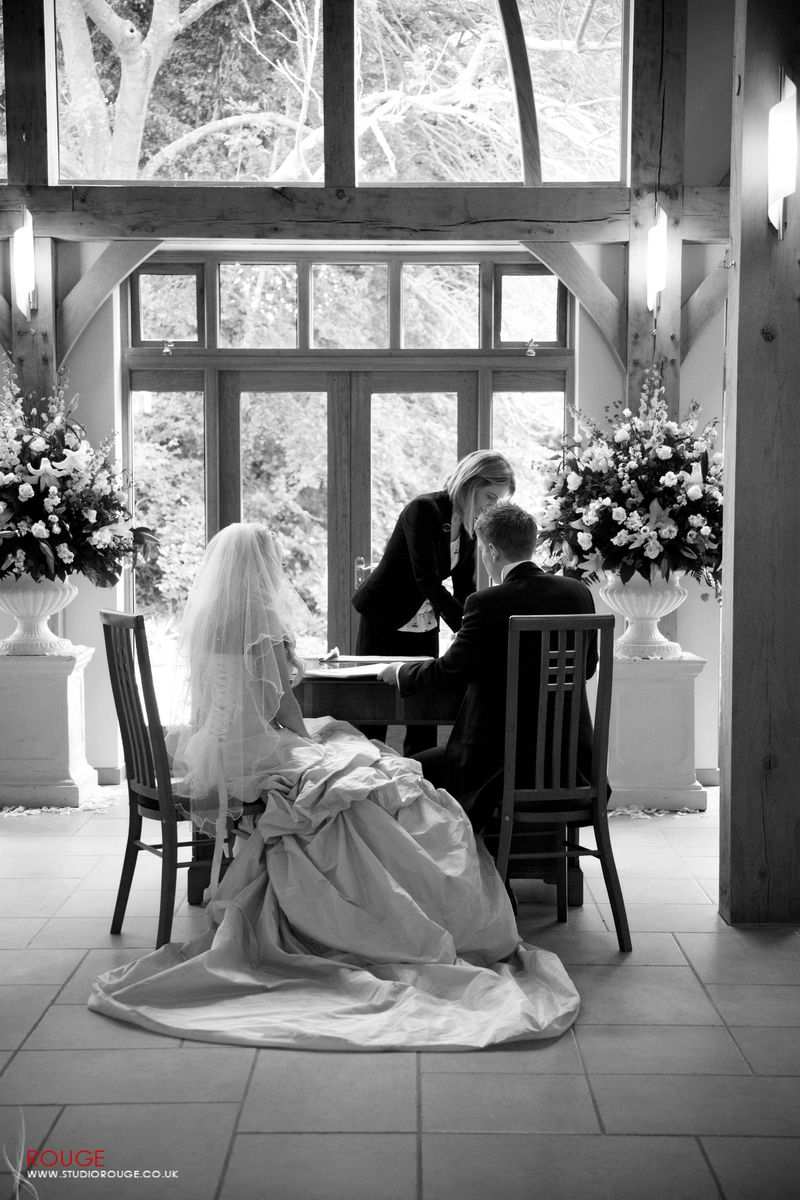Wedding_photography_at_rivervale_barn_by_studio_rouge0024
