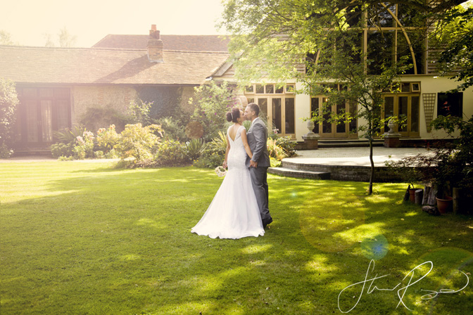 Wedding_photography_at_rivervale_barn_by_studio_rouge0047