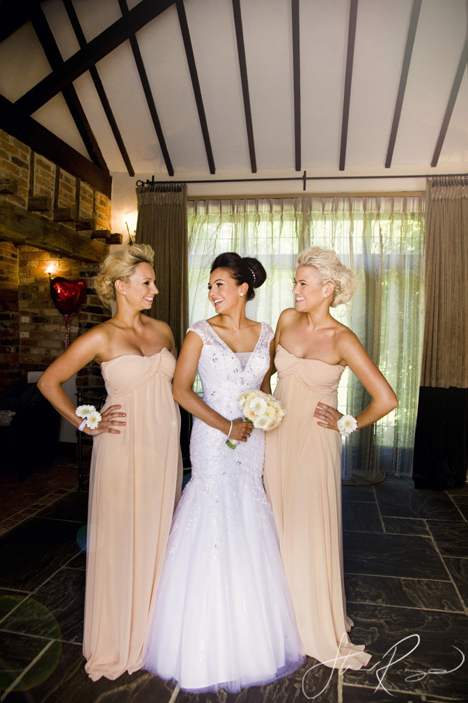 Wedding_photography_at_rivervale_barn_by_studio_rouge0013