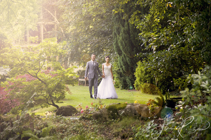 Wedding_photography_at_rivervale_barn_by_studio_rouge0044